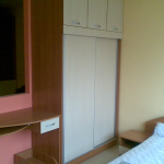спалня, гардероб и тоалетка