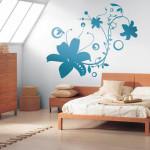 спалня с флорален мотив