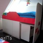 компактна детска стая със скосен таван