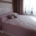 спалня в розово и бежово